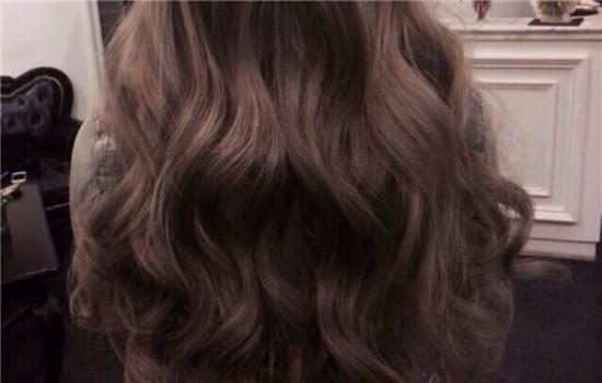 怎么恢复梳开了的卷发 小卷发如何打理