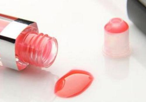 怎么防止唇釉变干 为什么干及还能用吗